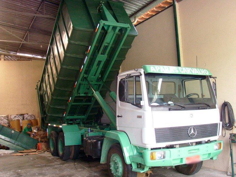 Empresa de reciclagem de papelão